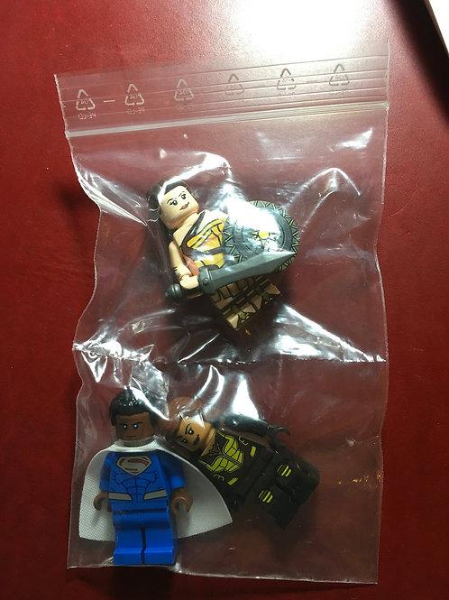 3 Leyile minifigs ( 2 pad printed )