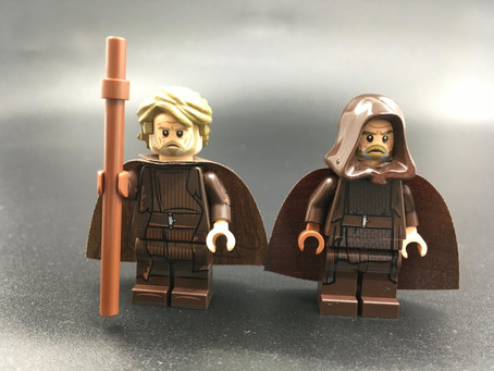 Showing 2 nice Luke minifigures