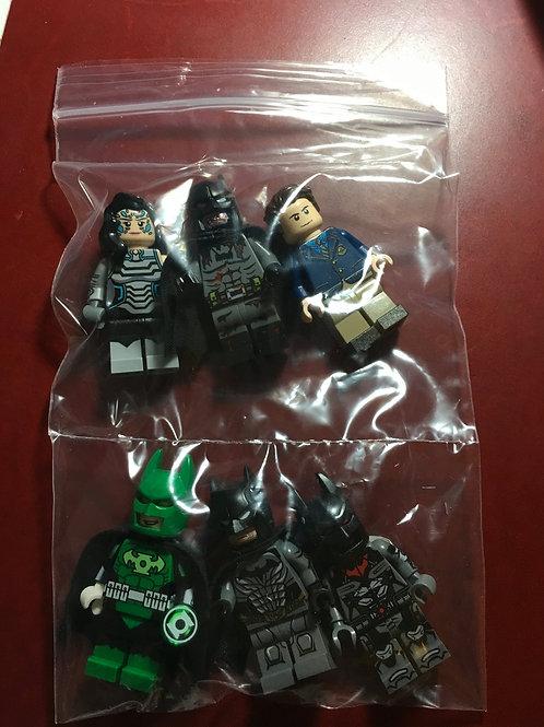 6 Leyile minifigs ( Bruce Wayne , Batman (pad print) , Zombie Batman,Lantern Bat