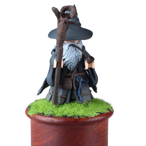 NC Studio Gandalf with base