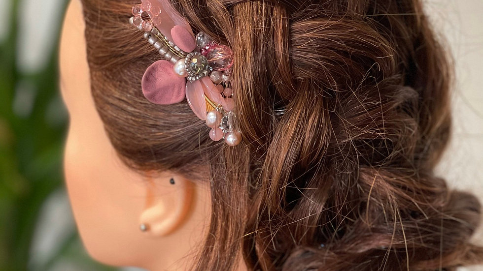 Perfectly Pink Floral Comb