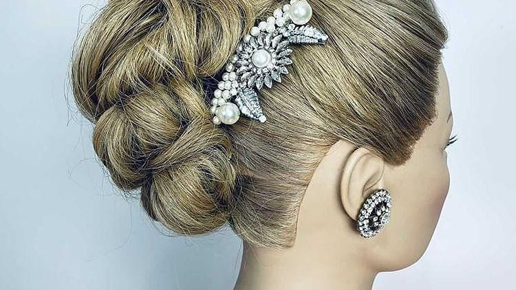 Silver, Pearl and Diamante Hair Comb