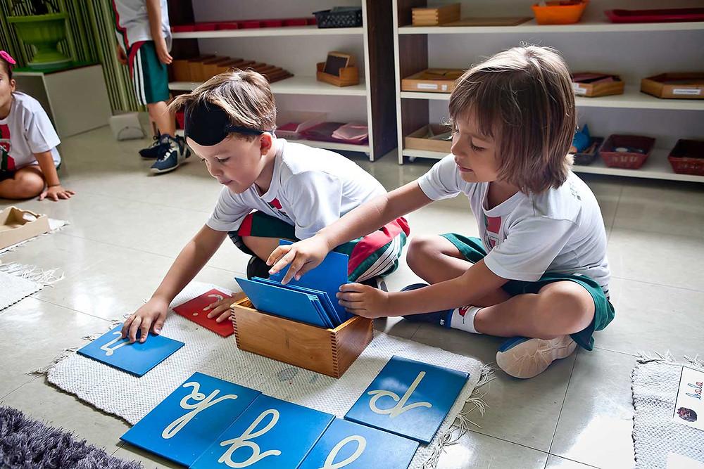 letras montessori Montessoriana Escola Infantil