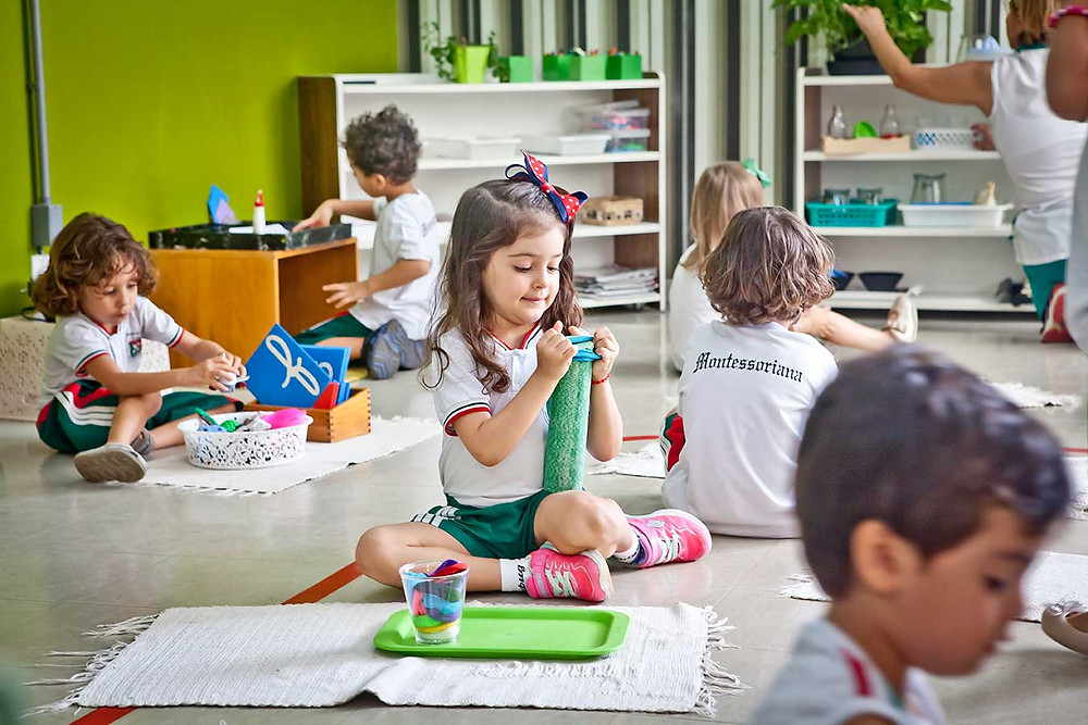 liberdade de escolha escola montessoriana