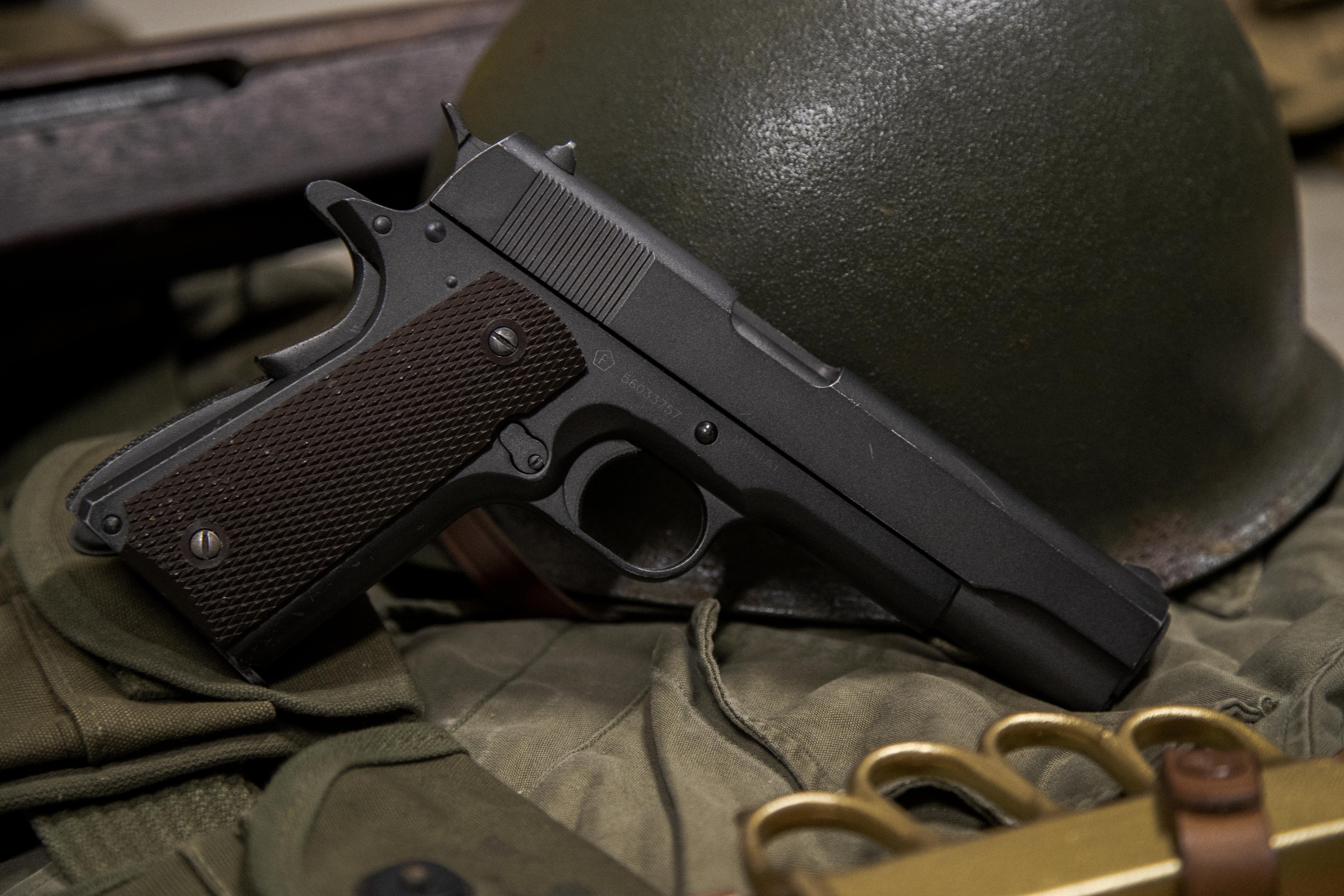 Prop & Weapon Handler