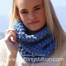 Trinity Cowl Knitting Station