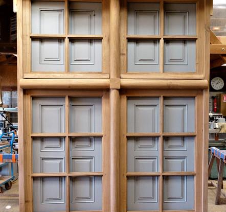 quatre-vantaux-petits-carreaux-volets-intérieurs-sur-meneaux-bois-chene-architecte-p-cadot.jpg