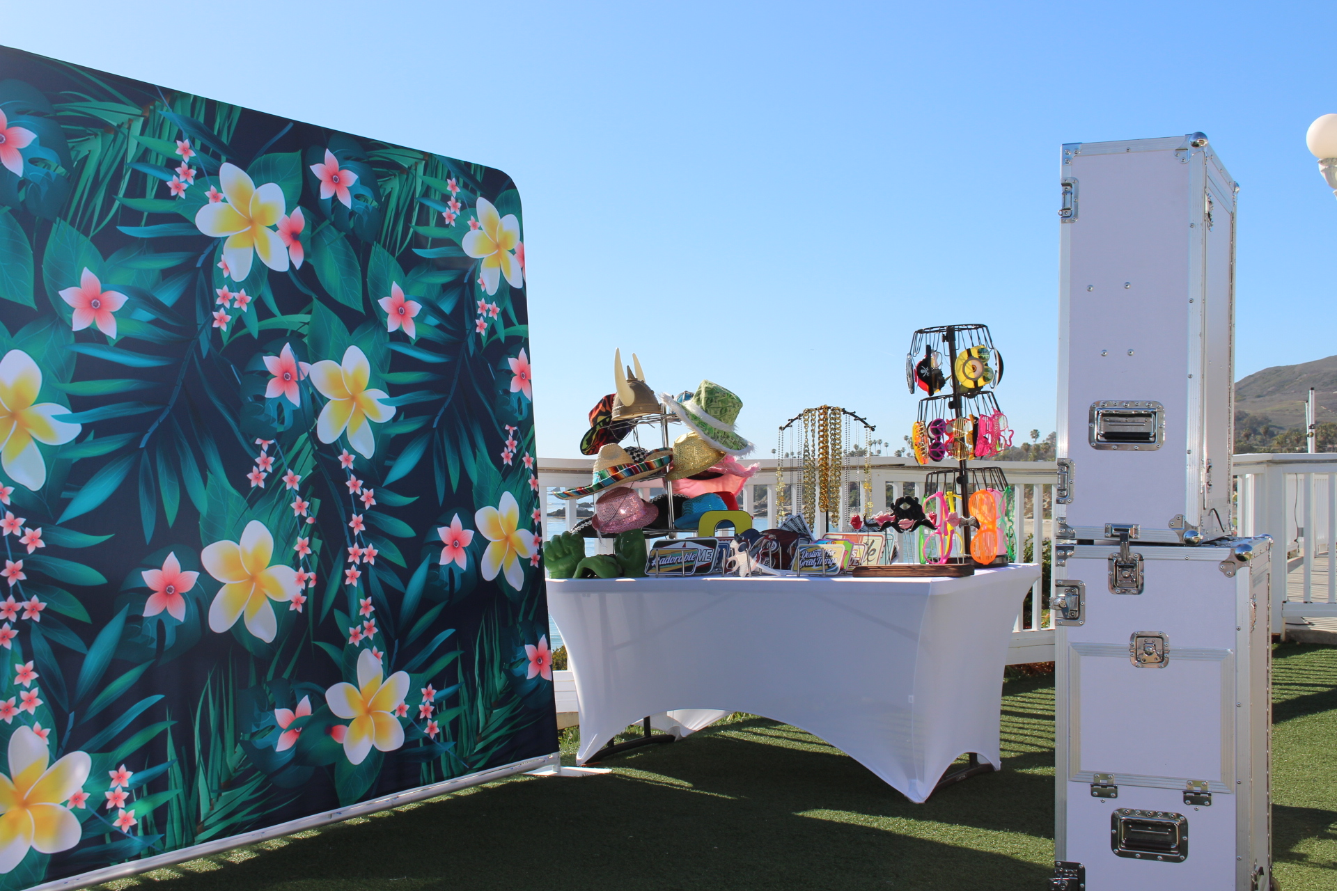 Tention Backdrop - Luau Floral