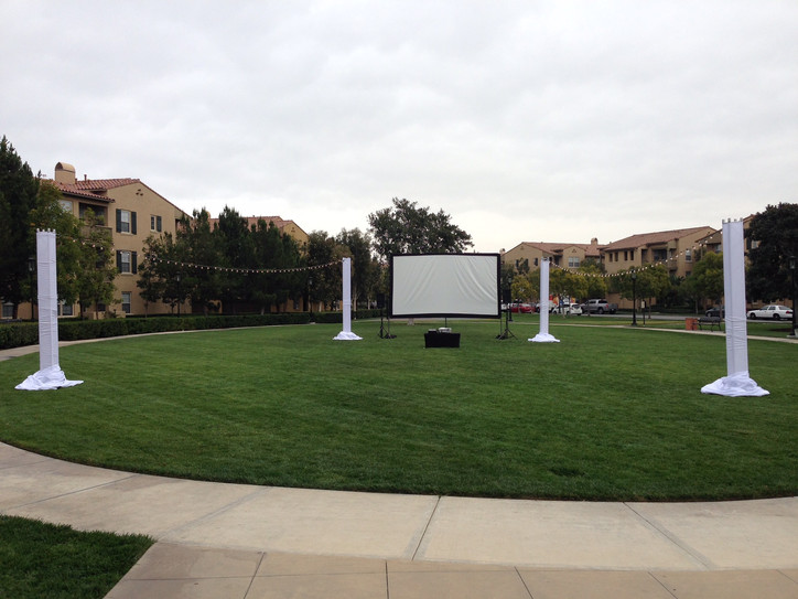 200 Inch Outdoor Theatre - White Party.J