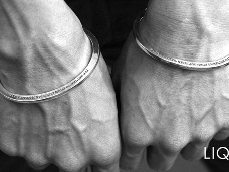 『Handcuffs Bangle』
