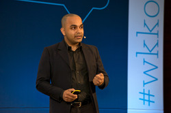 Presenting AI for Human Behavior