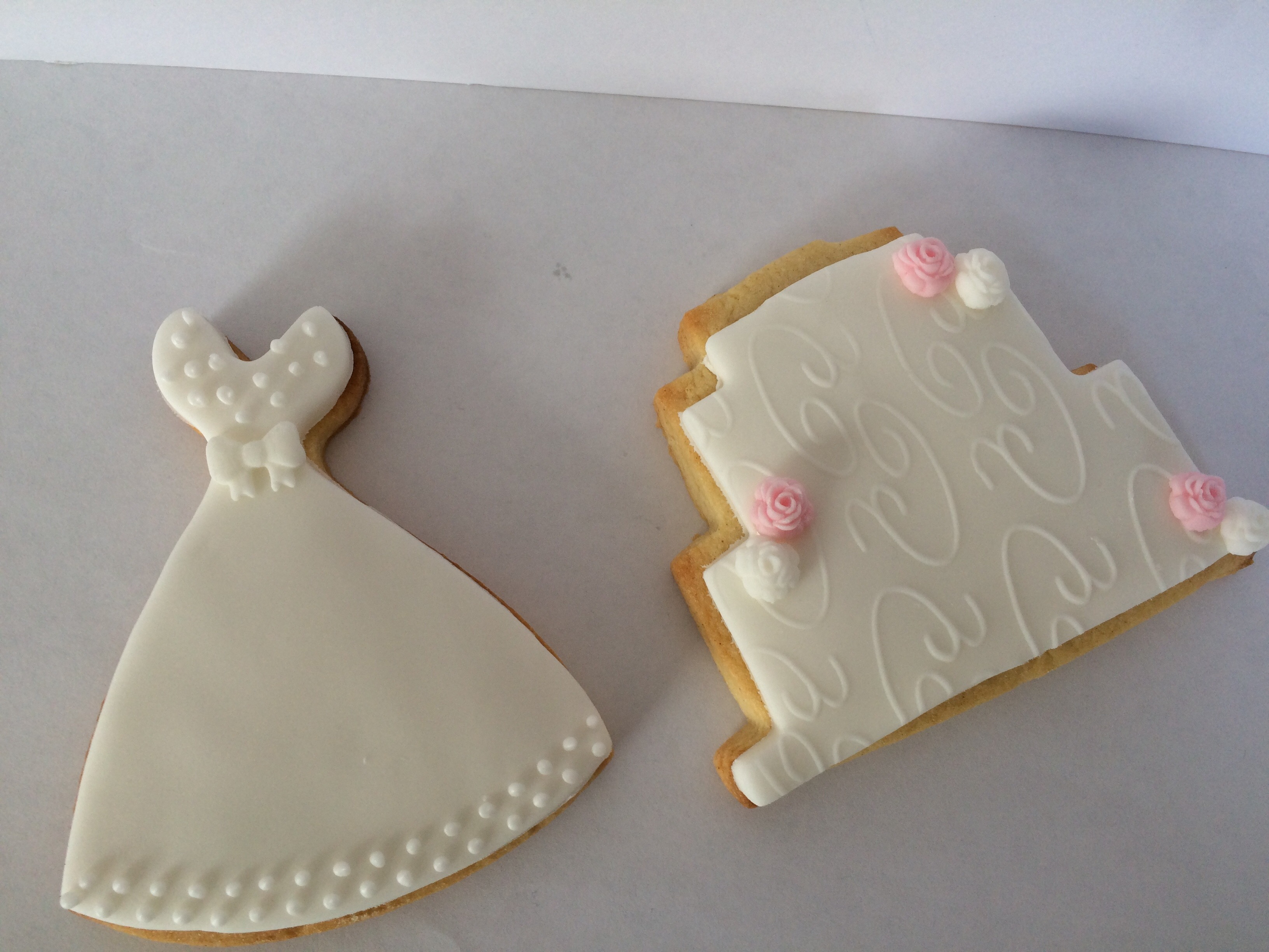 Wedding Dress and cake favour biscuit