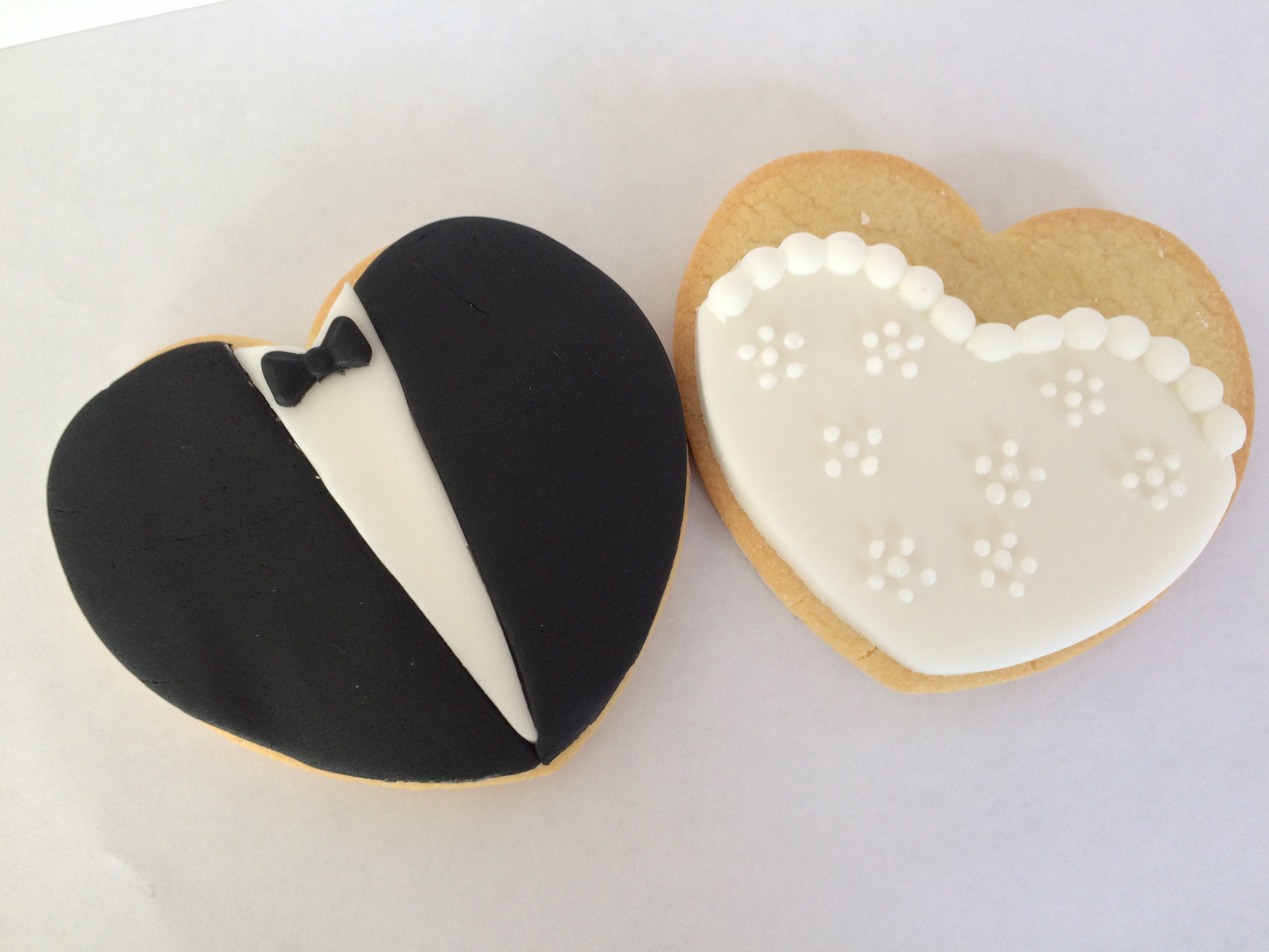 Wedding Groom and Bride Favour biscuit