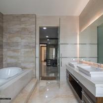 MastMaster Bathroom Interior View - Residence Green Garden