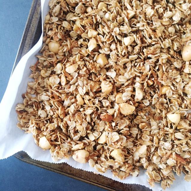 Vanilla-Nut Granola
