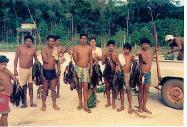 Índios_da_aldeia_MYNAWA_retornando_da_pescaria