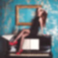 girl-711087_1920_edited.jpg