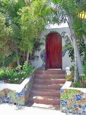 Garden sculptures and garden art for Washington landscaping and home.