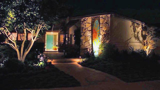 Garden sculptures and garden art for Florida landscaping and home.
