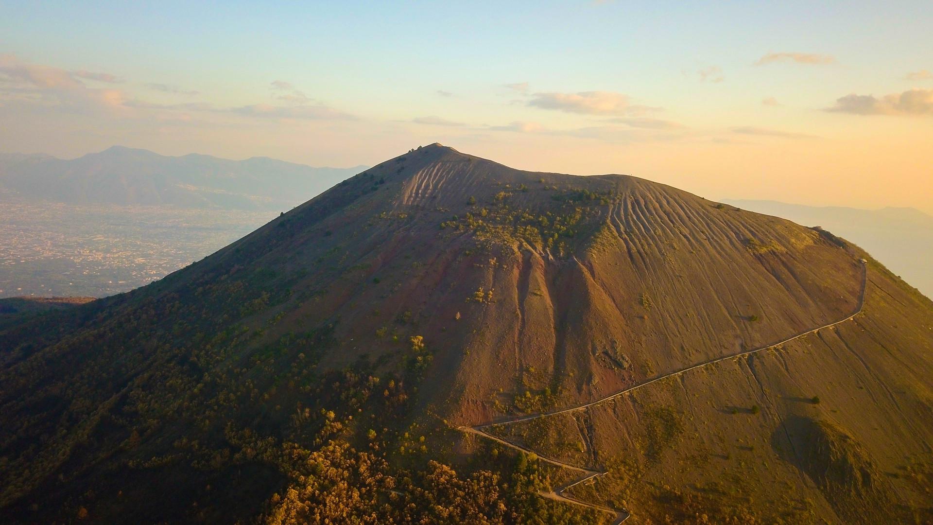 Visita al cratere del Vesuvio