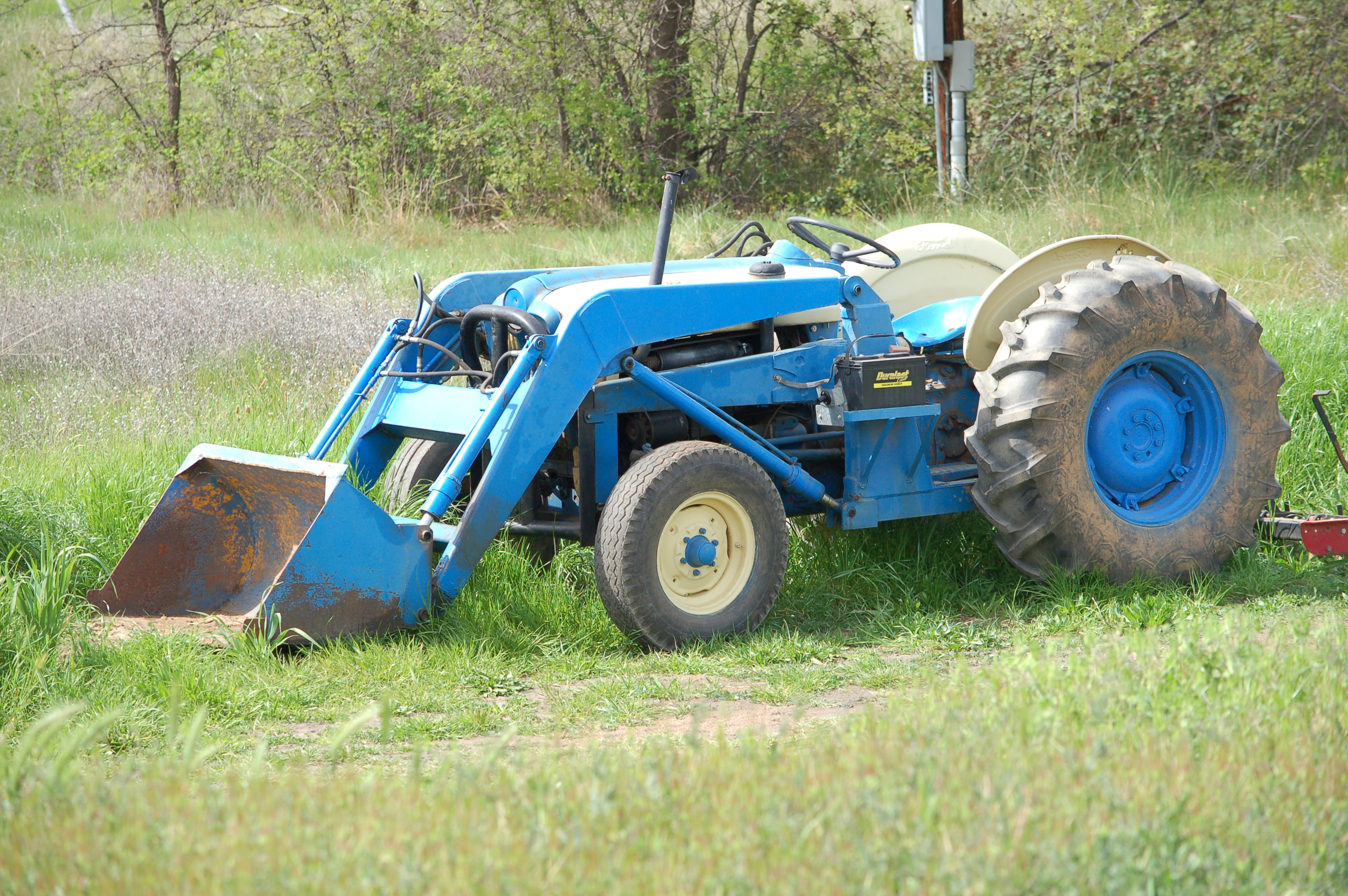 Arena grooming tractor