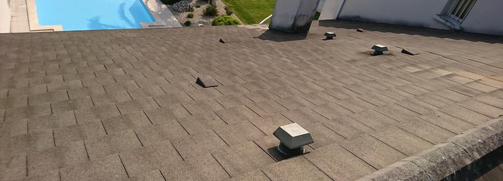 couvreur nettoyage de toiture.JPG