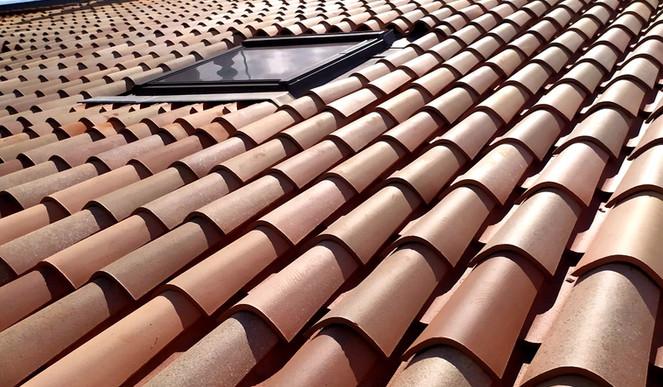 Chantier rénovation toiture et pose de Velux Bordeaux.jpg