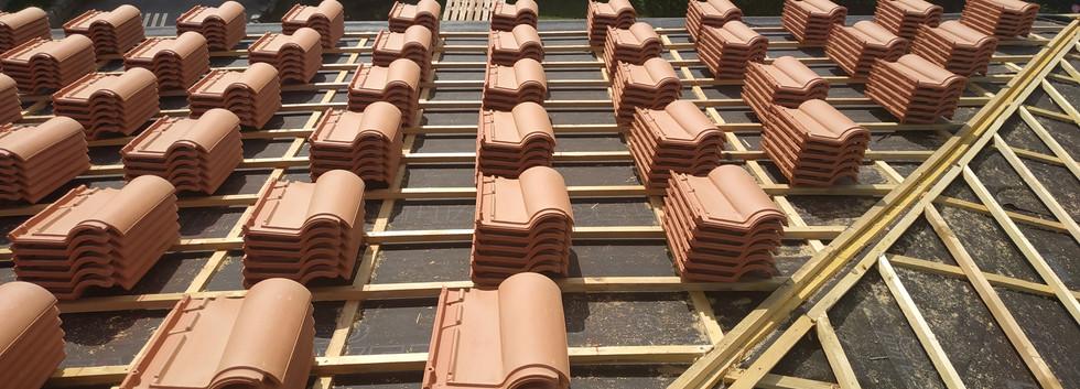 tuiles toiture travaux bordeaux.jpg