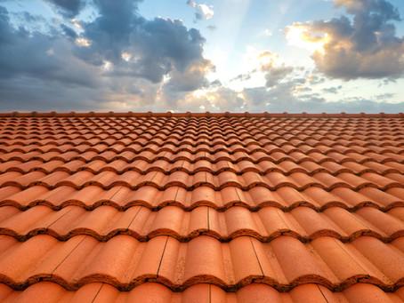 Entretenir sa toiture : Nettoyage et démoussage de toiture
