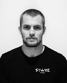 stark_headshots_04_v001.jpg