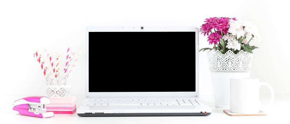 Wix DesignHer computer on desk