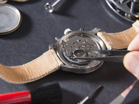 3 Signs Your Watch Battery Needs a Replacement