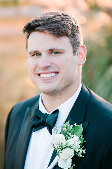 Labelle Winery Groom Portraits-4.jpg