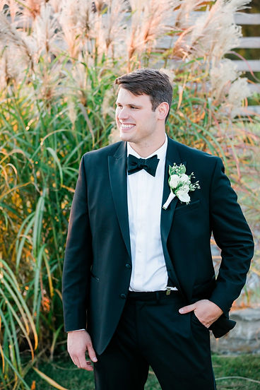 Labelle Winery Groom Portraits-3.jpg