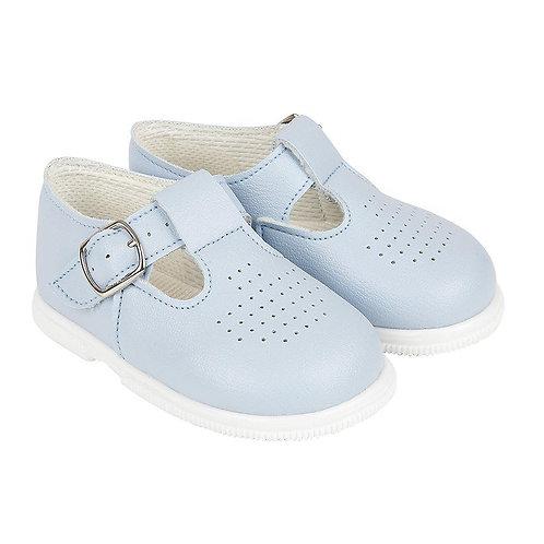 Hard soled shoe