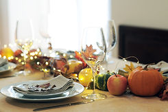 thanksgiving-table-setting-3HV6U9K.jpg
