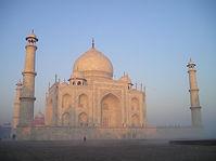 --India-Taj-Mahal-Agra-Temple-0905131324