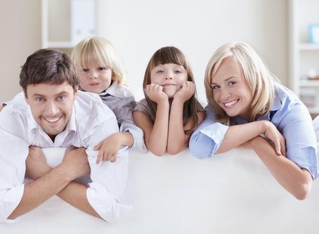Covid-19 : comment mieux gérer le confinement longue durée, seul(e), en couple ou en famille ?