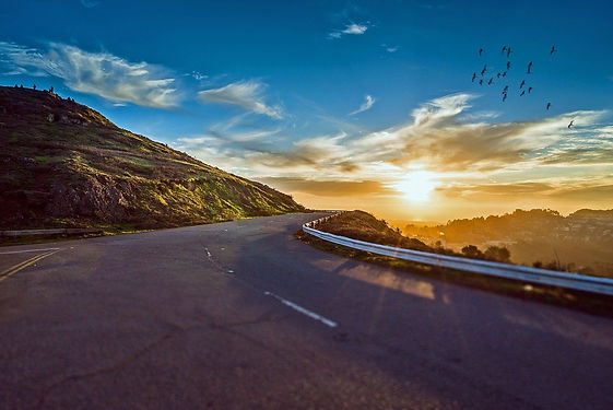 winding-road-1556177_1280.jpg
