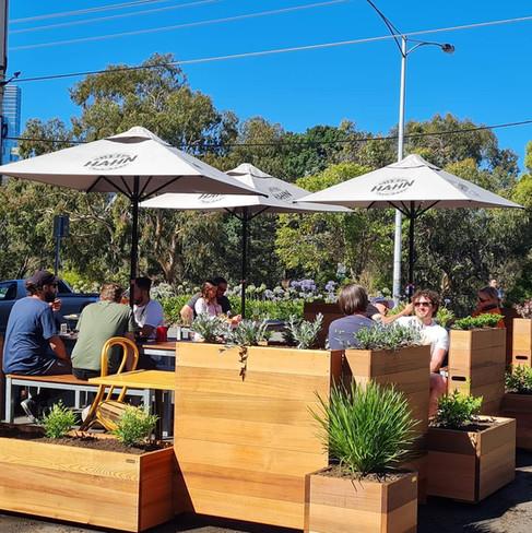 Casual Public Bar Dining - Railway Hotel South Melbourne