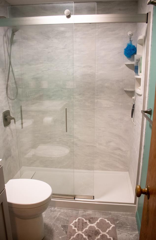 Grey & Teal Bath