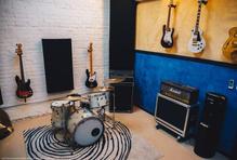 live band room