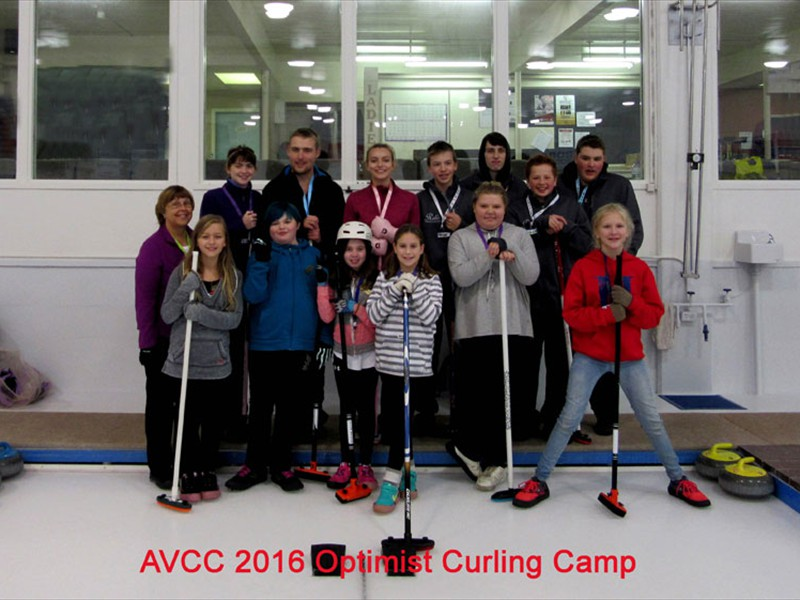 optimists_2016_curling_camp