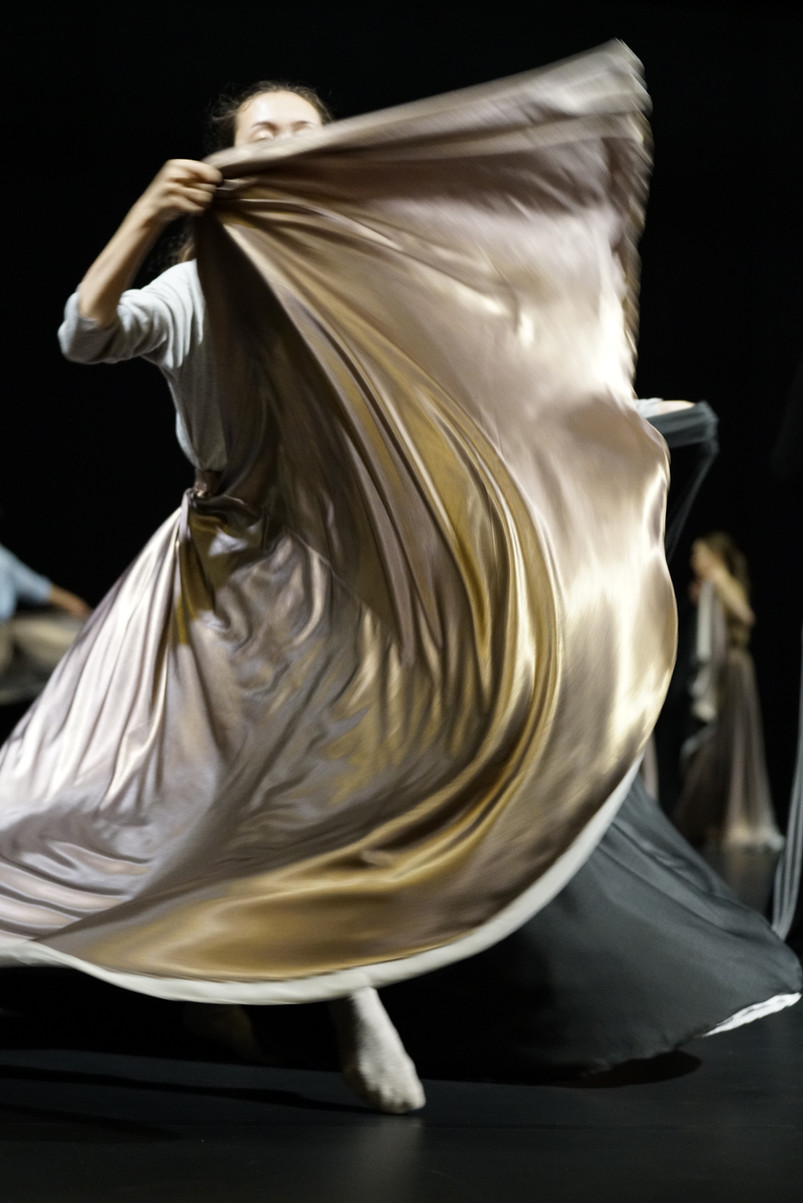 """Picture of Olivia Lecomte during the rehearsal of the piece """"Niflheim"""" by Po-Cheng Tsai."""