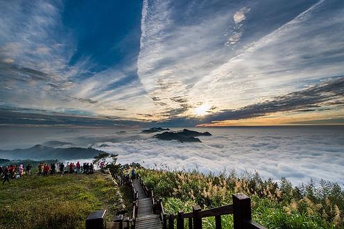 二延平步道列隙頂三寶之一-茶園步道、雲瀑雲海、夕照,美景在此一網打盡.jpg