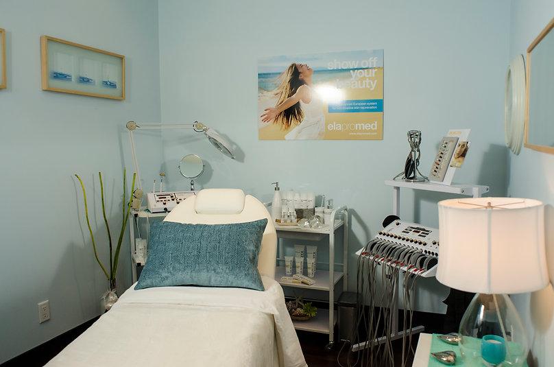 Lumisenz Microcurrent EMS aging business canada spa clinic medi spa