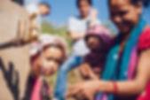 Projekt_Nepal_Brunnen_und_Familie_©_Mela