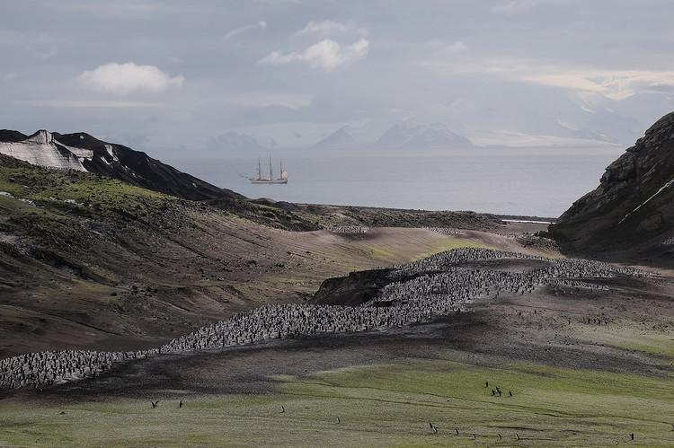 Antarktis Deception Island.jpg