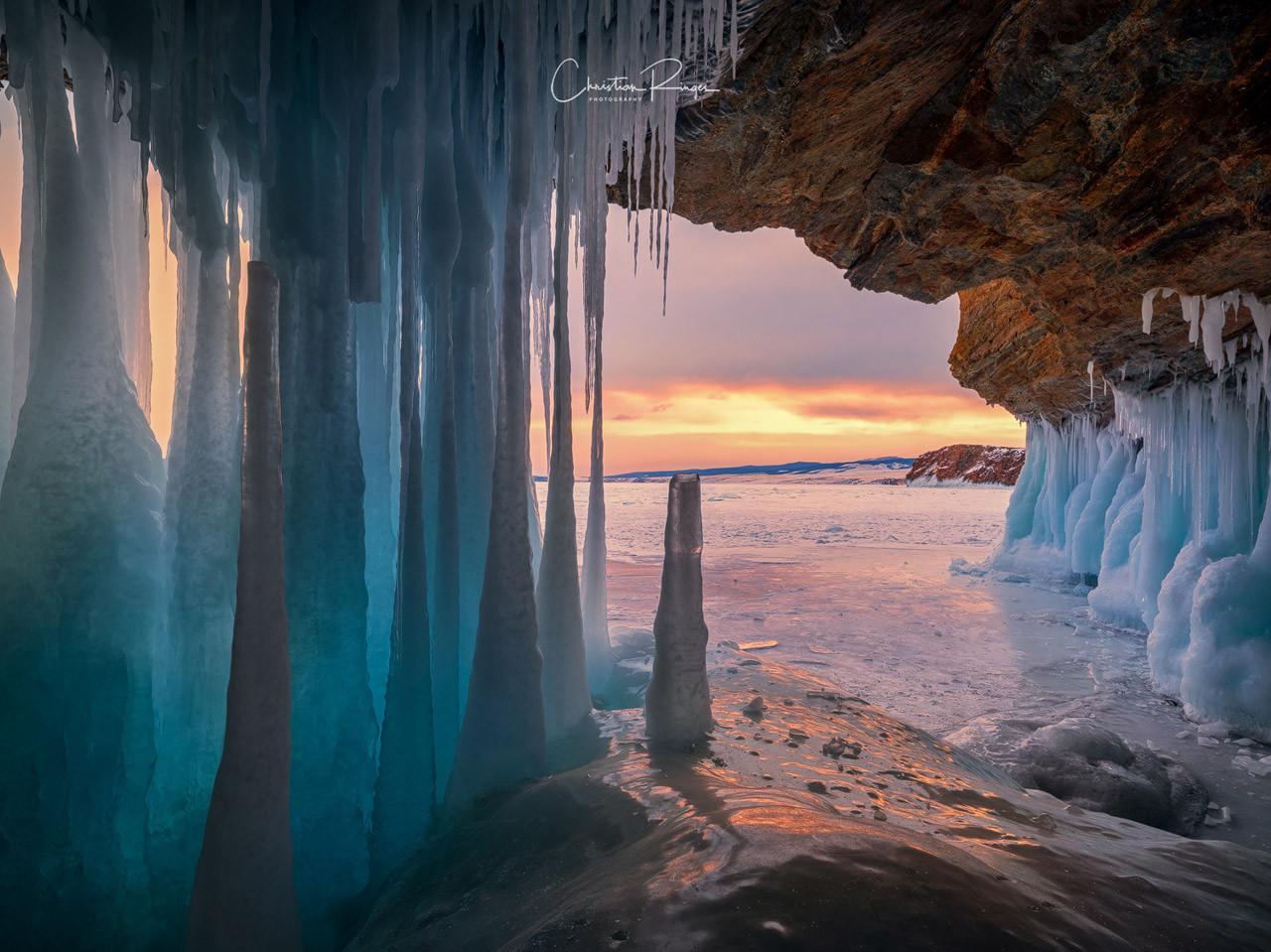 Icecave-Lake-Baikal-Christian-Ringer.jpg