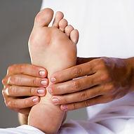 massage-des-pieds-reflexologie-plantaire